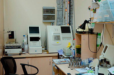 Кабинет врача офтальмолога в Самаре - проверка зрения / Салон Sofi-Оптика